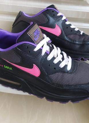 Оригинальные кроссовки nike air max,по бирке 38.5,вьетнам.