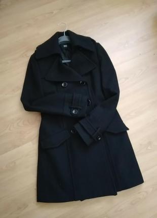 Стильное демисезонное пальто  60% шерсть