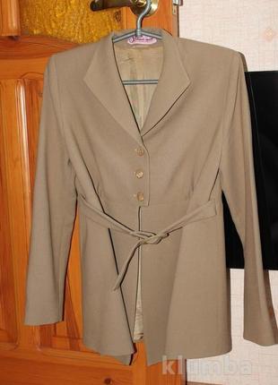 Теплый стильный пиджак для беременных