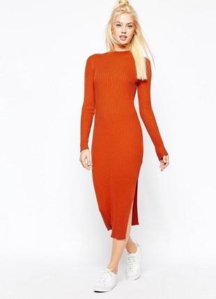 Платье в обтяжку оранжевое