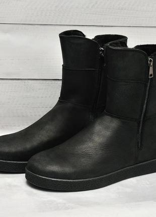 Кожаные зимние ботинки угги