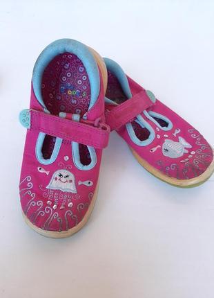 Босоножки на девочку тапочки на липучках в садик балетки тапки кеды обувь на весну clarks
