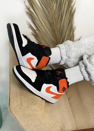 Женские кроссовки nike air jordan retro 1 orange/black
