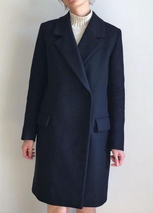 Шикарное темно-синее пальто cos