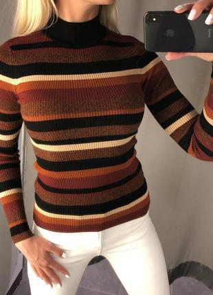Полосатый свитер в рубчик с горлом. amisu. fbsister. размеры уточняйте.