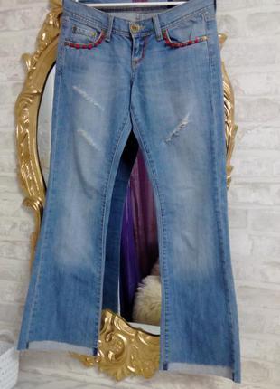 Укороченые джинсы