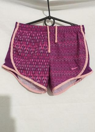 Спортивные шорты с трусиками.