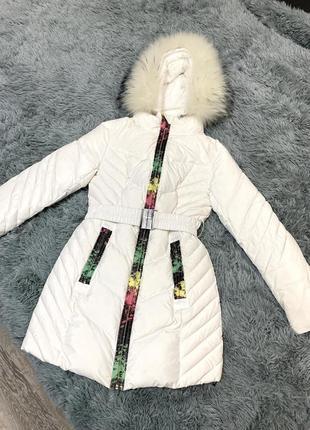 Длинные теплые куртки с капюшоном