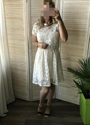 Светлое котоновое платье с вышивкой кружевное 2в1