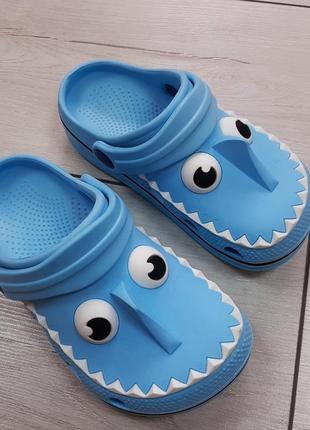 Кроксы m&s акула для мальчика пляжные тапочки тапки для бассейна