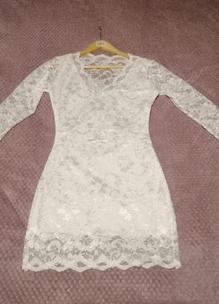 Гипюровое мини платье с длинным рукавом