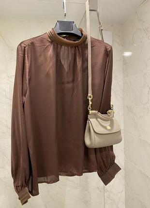 Шикарная атласная бежевая блузка рубашка кемел цвет