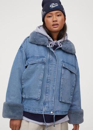 Джинсовая куртка с воротником из искусственного меха h&m,p.xs-s-m