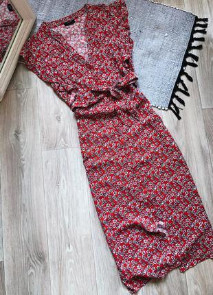 Платье красное в мелкие цветы на пуговицах с поясом papaya