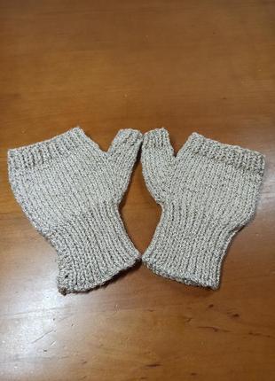 Перчатки митеньки с блестящей ниткой