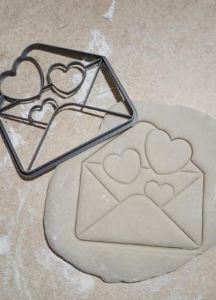Вырубки на 14 февраля конверт с сердечками