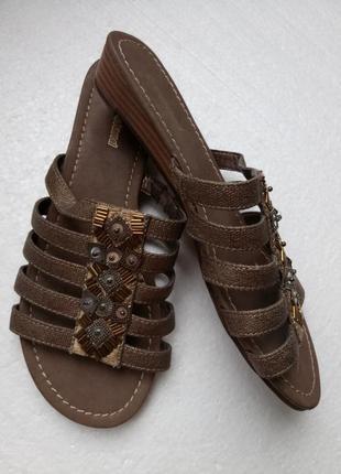 Новые шлепанцы , сандалии от graceland - р. 39