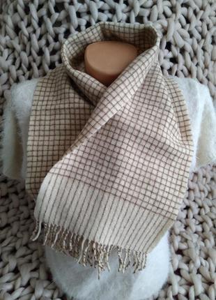 Шерстяной бежевый шарф