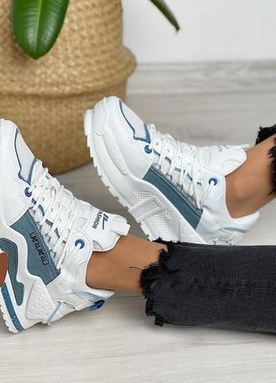 Очень крутые женские кроссовки