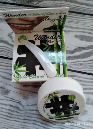 Тайская отбеливающая зубная паста с бамбуковым углем siam spa