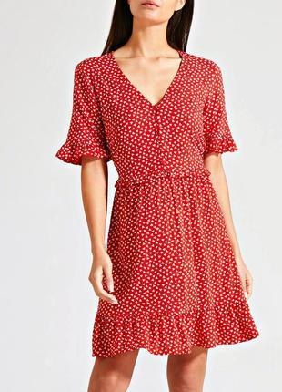 Очаровательное чайное платье в мелкий цветочек с рюшей р.18