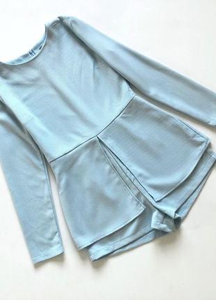 Качественный плотный фактурный голубой ромперс рукавом