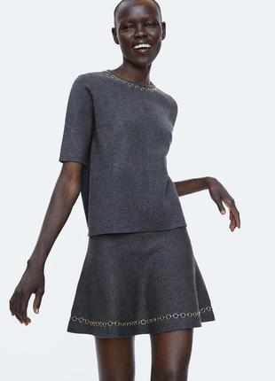Стильный трикотажный костюм zara, юбка и топ