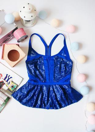 Цены снижены!!! красивая блуза баска с  замкой на всю спинку бренда jeane blush
