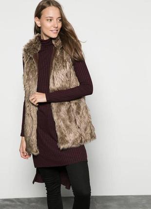 Красивый теплый меховый жилет оригинал от bershka outerwear collection