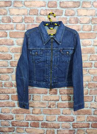 Джинсовая куртка кроп на замок levis