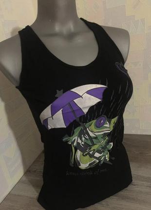 Чёрная футболка с принтом жабки. s-m.