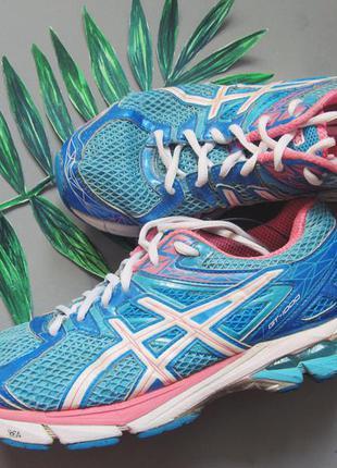 Яркие кроссовки asics для бега