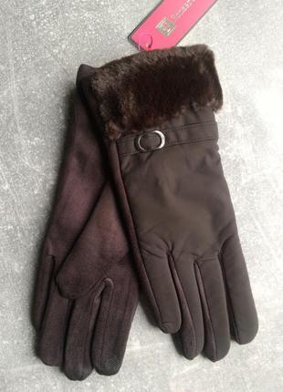 Элегантные коричневые сенсорные перчатки.