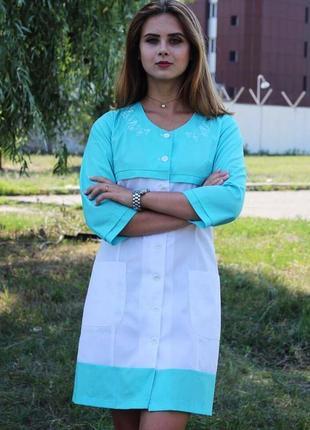Медицинский халат, вышивка, размер 64
