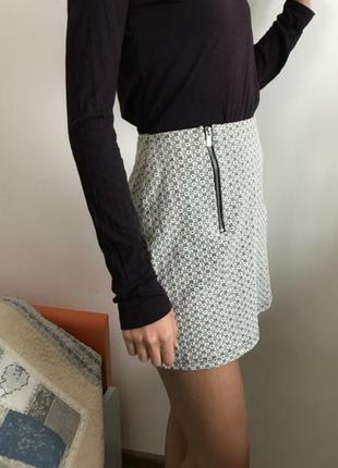 Новая стильная юбка в геометрический принт р.44