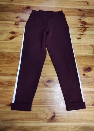 Новые штаны с лампасами с эко кожи