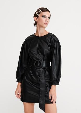 Чёрное черное кожаное мини платье платья сукня с поясом в стиле zara