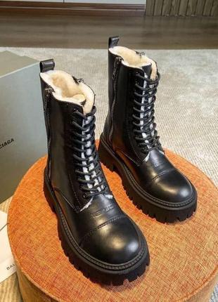 Женские зимние ботинки black tractor side-zip boots white fur lux