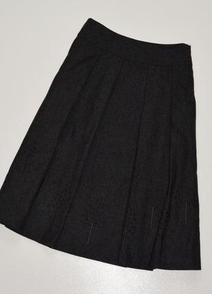 Hobbs красивая юбка а-силуэта темно серого цвета,состояние новой вещи,шерсть 62%