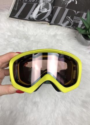 Фирменная горнолыжная маска очки