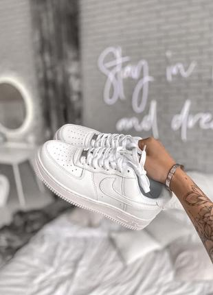 Женские кроссовки nike air force 1 low classic white