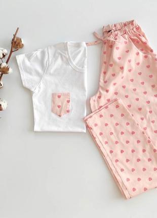Женская пижама со штанами в сердечки