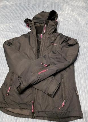 Зимня лижня куртка.