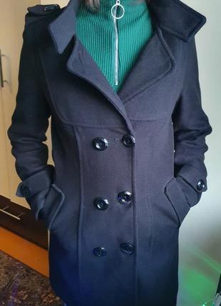 Чорне пальто весна-осінь