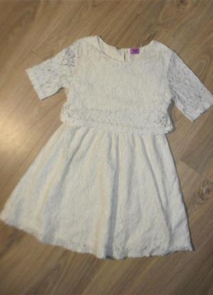 Кружевное платье на 8-9лет рост 134