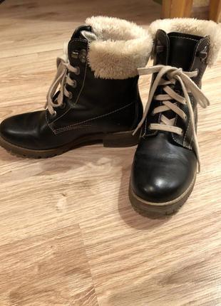 Женские чёрные кожаные зимние ботинки на овчине 38 р