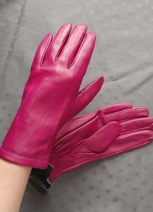 Новые кожаные розовые перчатки marks&spencer. размер l