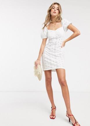 Платье с вышивкой asos (р.s)