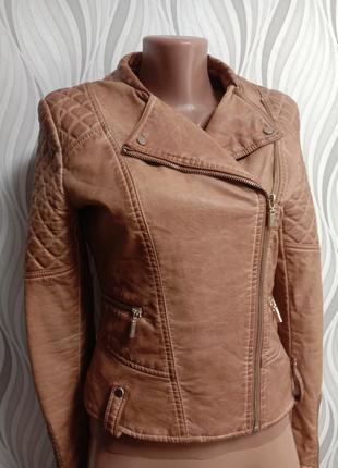 Плотная куртка косуха bershka