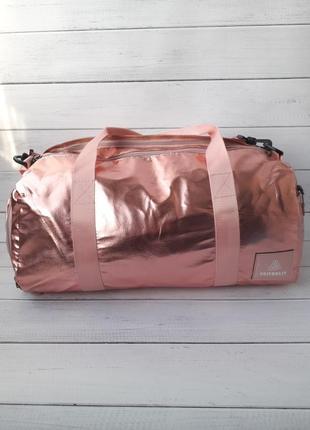 Модная спортивная сумка